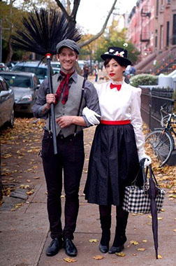There's only one word to describe this costume duo and it's supercalifragilisticexpialidocious! Image courtesy of Juxtapost.com.