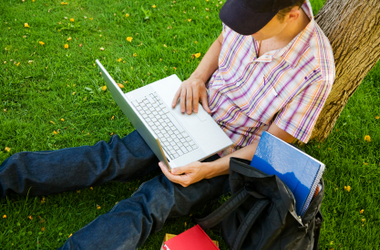 Online vs. Classroom: Which Is Right for You?