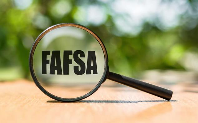 Help! Parents Won't File the FAFSA or Help Pay for College
