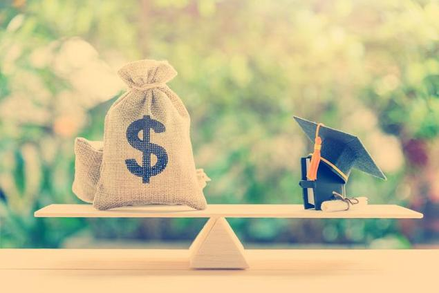 What Colleges Offer Full Ride Scholarships?