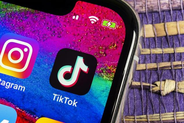 Students Will Travel the World with These TikTok Accounts